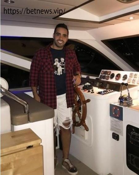 ساشا سبحانی در قایق تفریحی